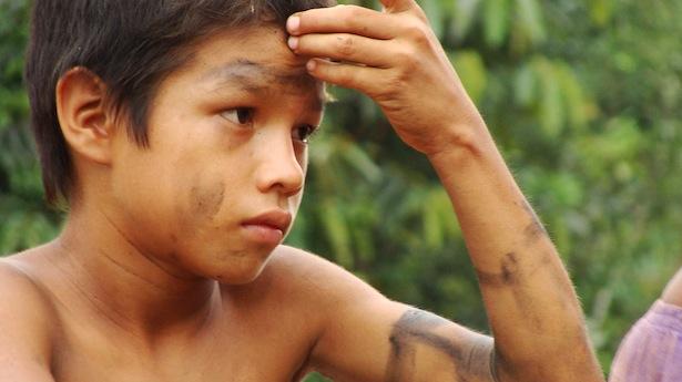 Brazilian-Indian-tribe-boy-via-Ben-Sutherland-on-Flickr