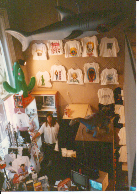 ZOOLOOZ STORE OWNER