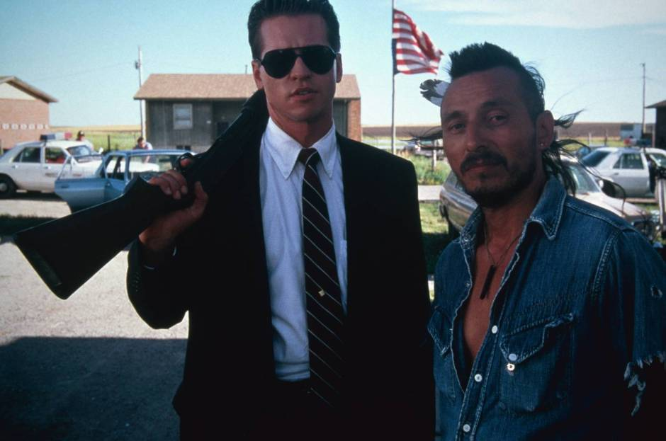 thunderheart movie still Kilmer and Trudell