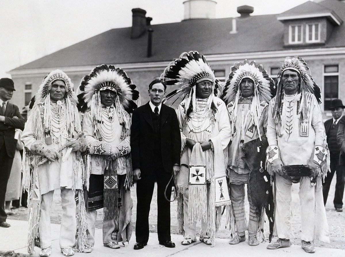 The Heartbeat Of Wounded Knee Native America From 1890 To The Present Pdf